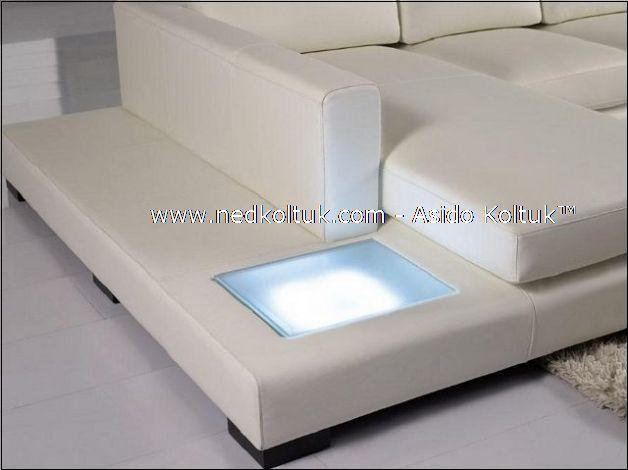 köşenin ışıklı bölümü, çeşitli reklerde, döşemeye uygun ışık seçenekleri